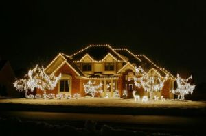 christmas lights on house NdWH