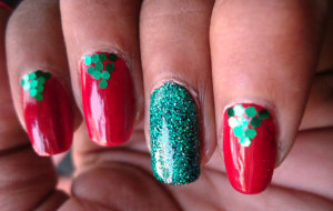 red christmas nails ENoY