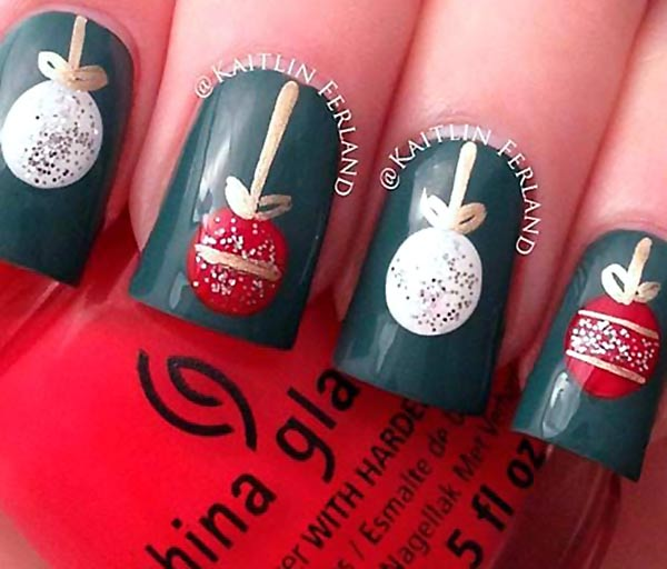 Red Christmas Nails Pictures Wallpapers